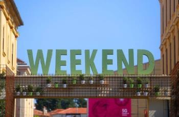 Na Weekendu doznajte kako su tenisice postale najvažniji komad u ormaru