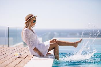[Kamen za bazene] 7 dobrih razloga da na rub bazena postavite prirodan kamen