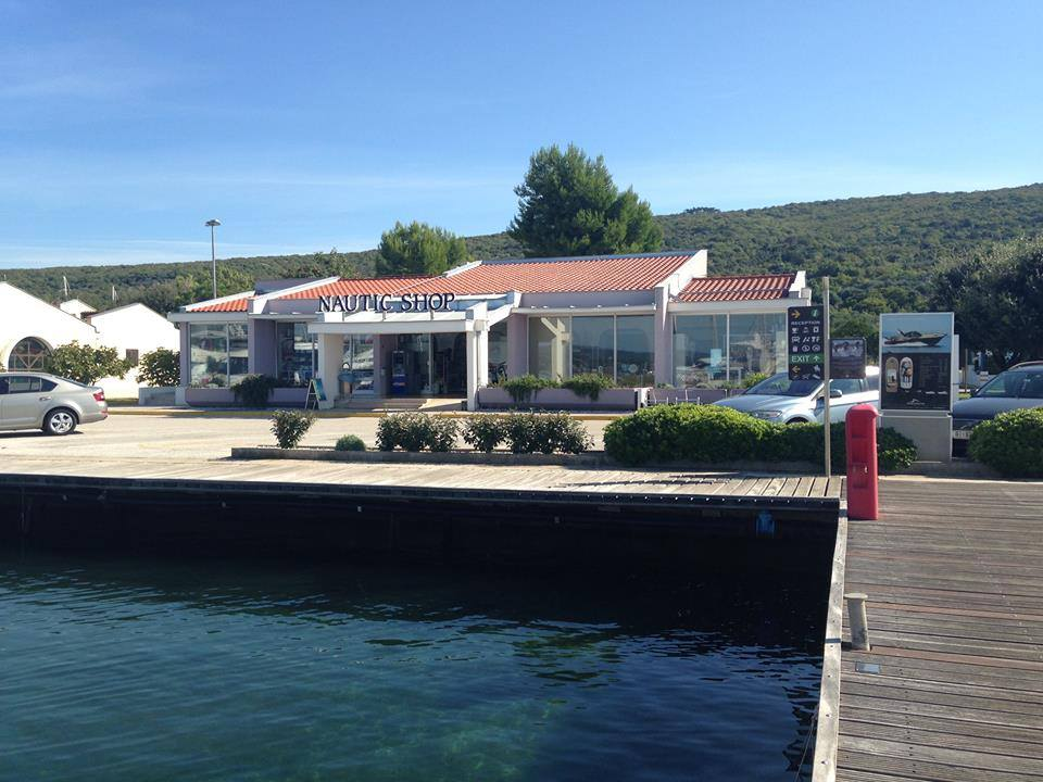MARINA COMMERCE