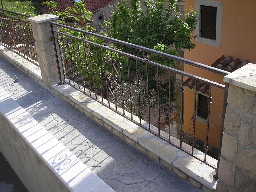 Kovane ograde, Rijeka, Madra Nakovanj