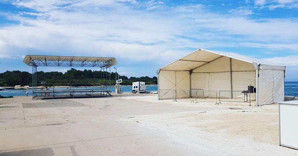 Najam šatora i pozornica, Rijeka, Tent Event