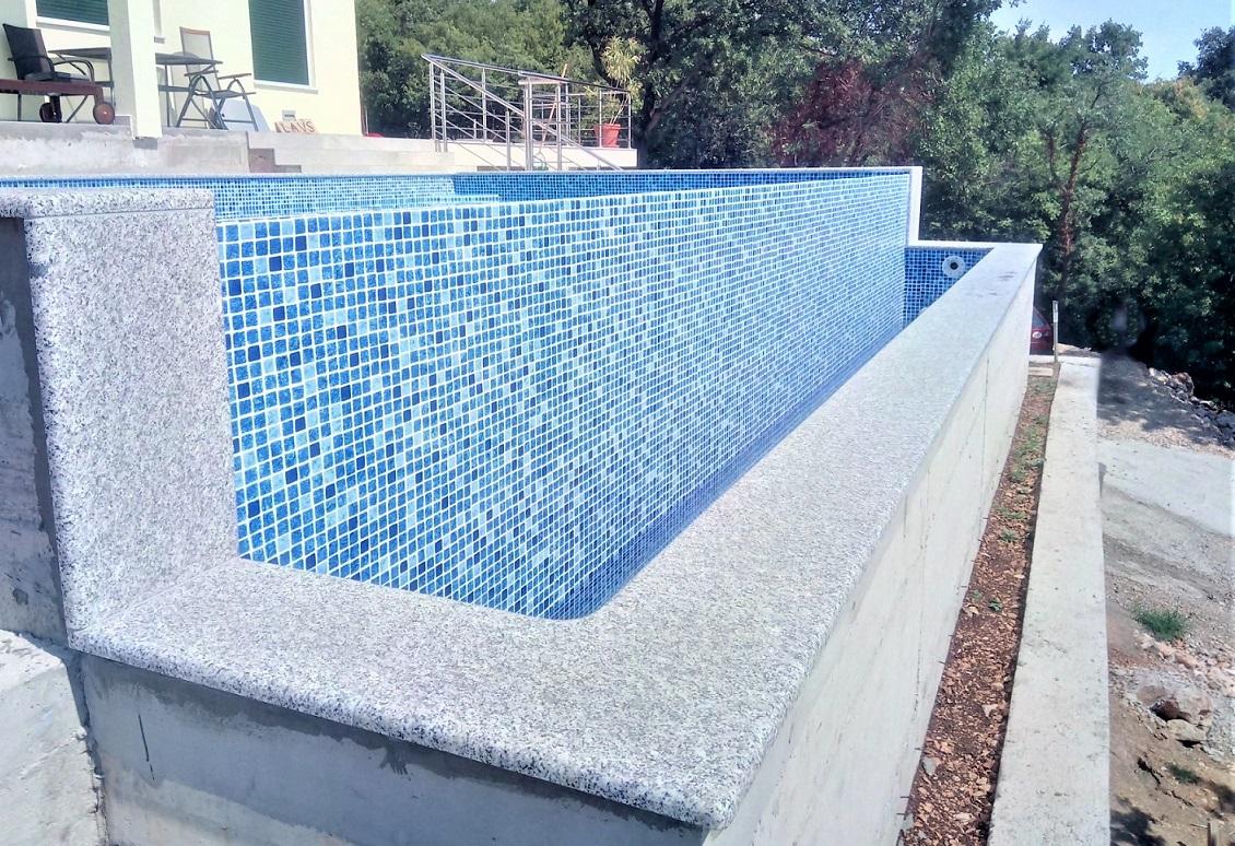 Rubni kamen za bazene Granit