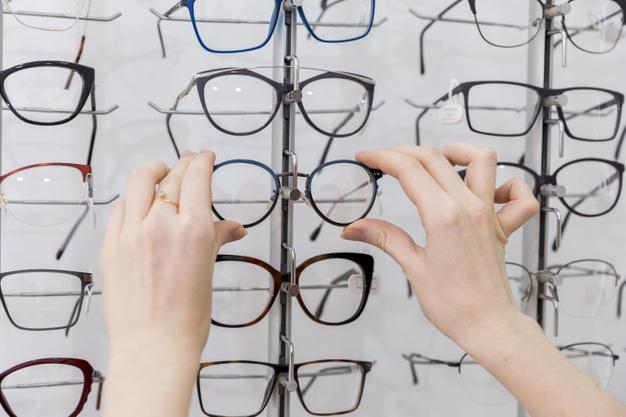 Dioptrijske naočale: Koji su dioptrijski okviri u trendu u 2020. - pogledajte slike