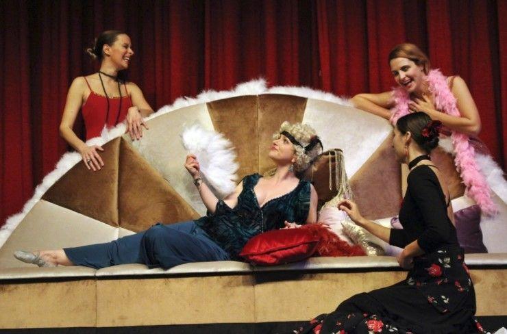 Kazališna predstava: I živjele su sretno…?