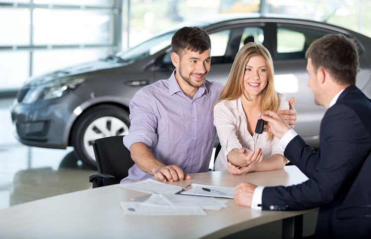 Kupujete automobil? Pričekajte još nekoliko dana, od 1. siječnja sve jeftinije, brže i jednostavnije