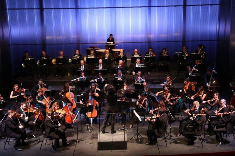 Novogodišnji koncert: Orkestar Opere i Yordan Kamdzhalov vode Vas Od manueta i valcera od bolera