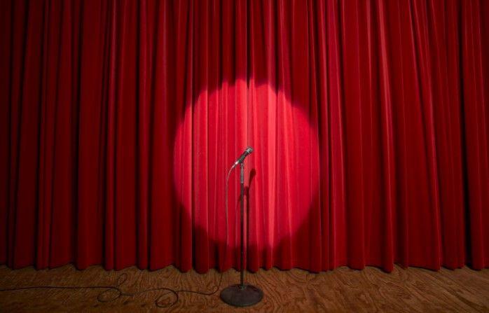 """Stand up comedy predstava """"Sam protiv svih"""" u Rijeci"""