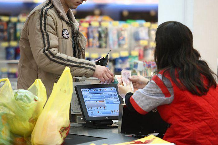 Prodavač u prodavaonici mješovitom robom (m/ž)