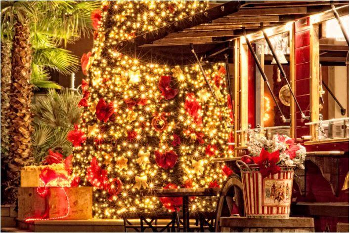 Svečanim paljenjem lampica na velikoj božićnoj jelki počinje Advent u Opatiji!