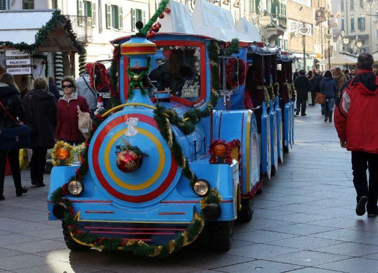 Uz Vlakić Djeda Mraza, od danas kreće i Adventski autobus Autotroleja