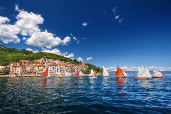 10. Smotra i regata tradicijskih barki na jedra MALA BARKA