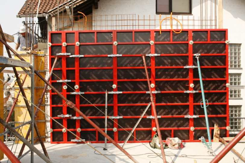 Trebam ponudu za izradu fasade, žbukanje zidova i izradu plivajućeg poda